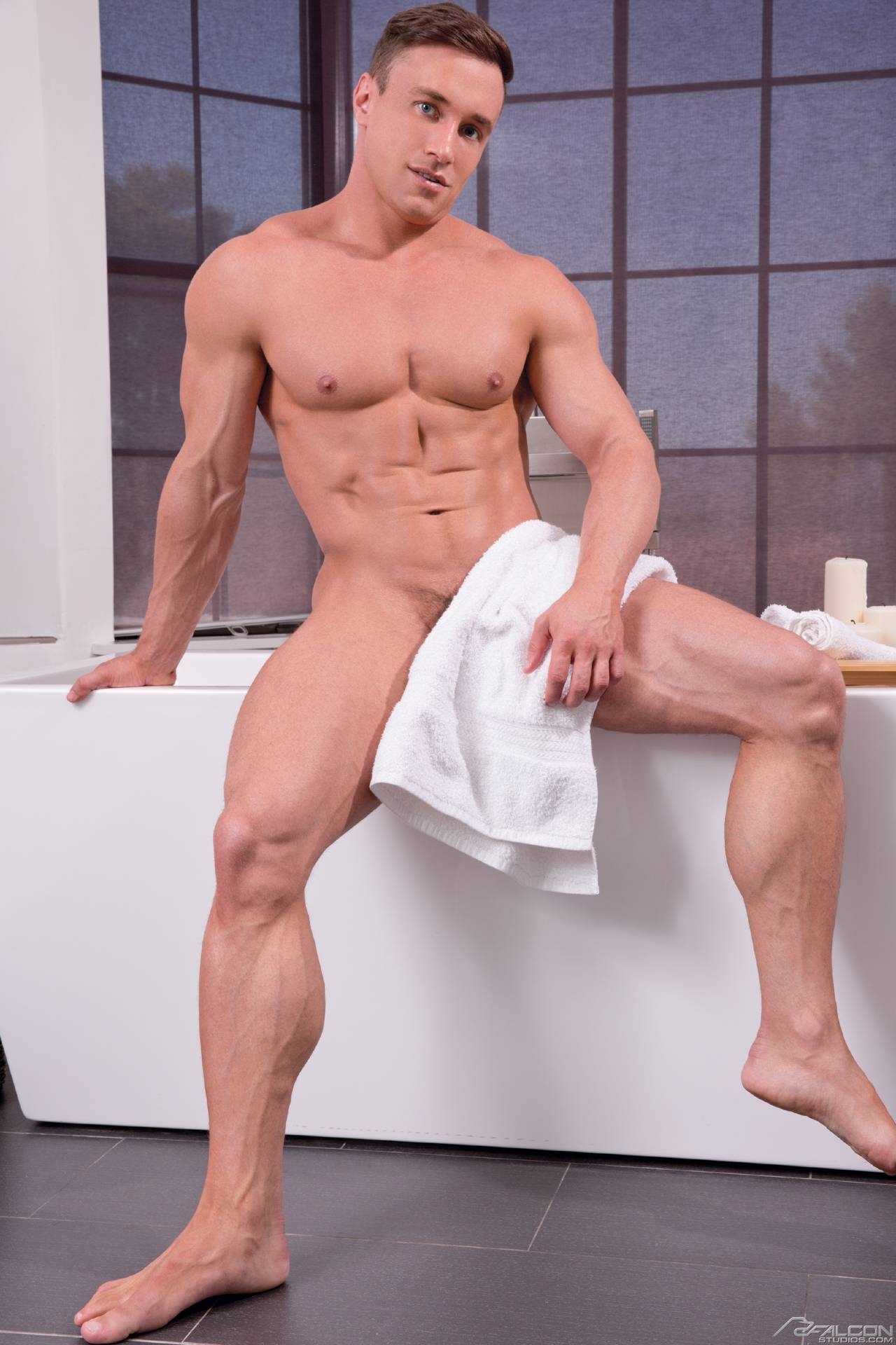 Dewindt recommends Male gay massage london