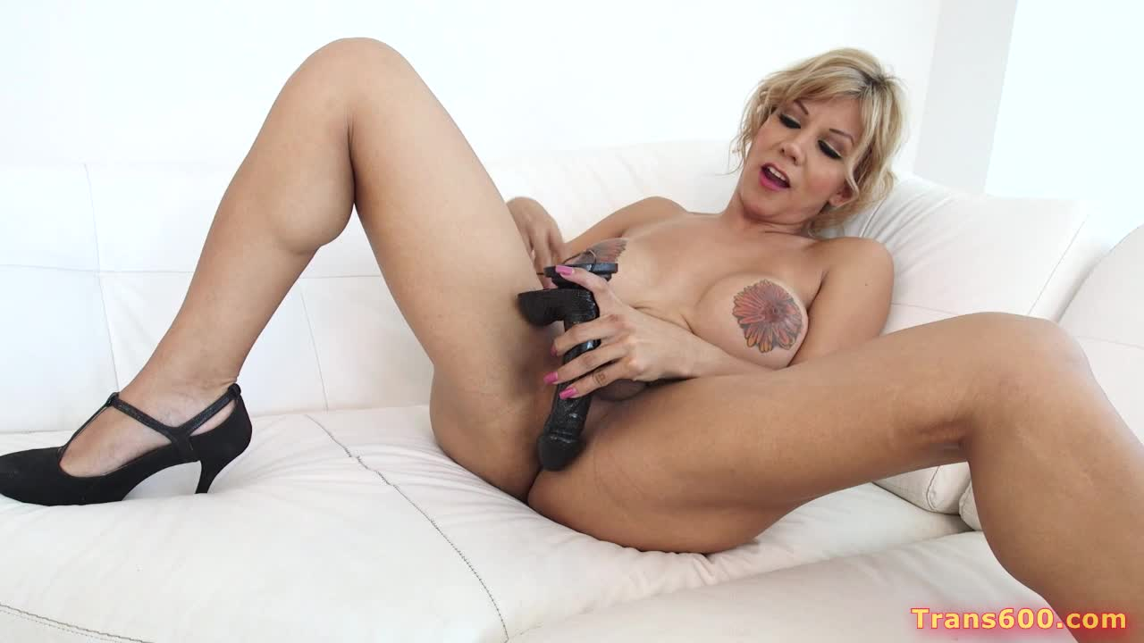 her large Shemale cock and naomi