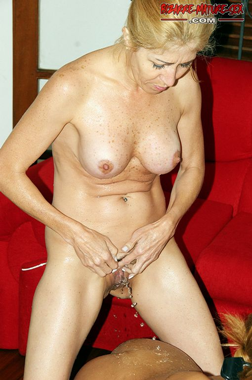 Adult gallery Shemale stroker jenny