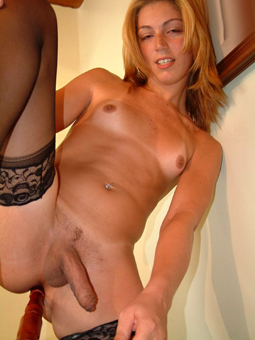 Male Porn Pics Tranny with long dick