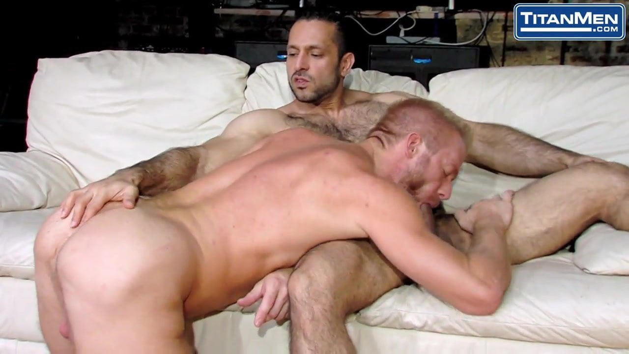 porn muscle hairy Gay